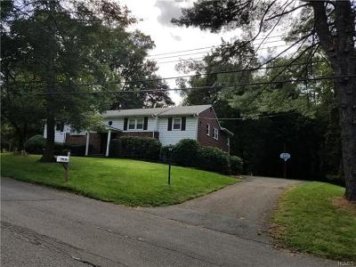 Suffern Single Family Home For Sale: 13 Pine Road