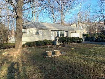 Cortlandt Manor Single Family Home For Sale: 2 Mac Arthur Boulevard