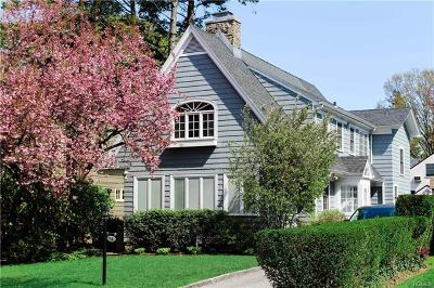 Larchmont Single Family Home For Sale: 54 Fernwood Road
