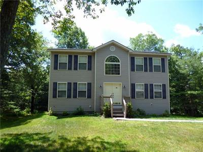 Single Family Home For Sale: 56 Picadilly Circle