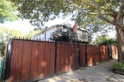 Bronx Single Family Home For Sale: 714 Throgs Neck Expressway