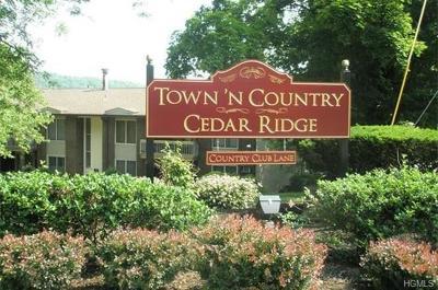 Pomona Condo/Townhouse For Sale: 316 Country Club Lane