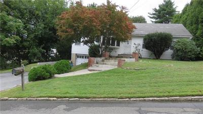 White Plains Single Family Home For Sale: 13 Indian Trail