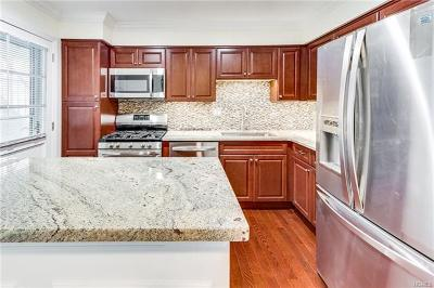 Suffern Condo/Townhouse For Sale: 112 West Bon Aire Circle West #9J