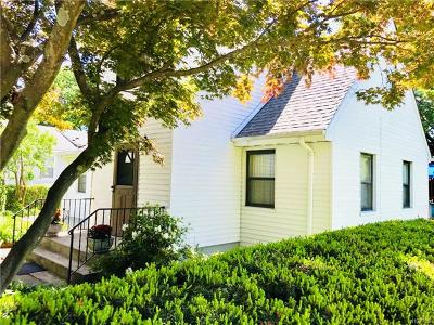 Pleasantville Single Family Home For Sale: 11 Francis Place