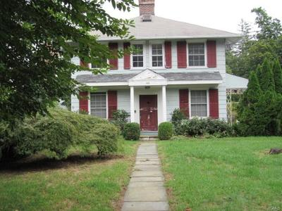 White Plains Single Family Home For Sale: 99 Greenridge Avenue