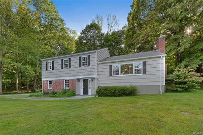 Bedford Single Family Home For Sale: 27 Quarry Lane