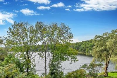 Single Family Home For Sale: 38 Lakeside Drive