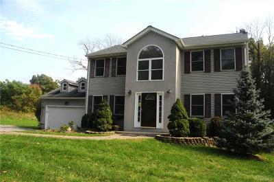 Middletown Single Family Home For Sale: 234 Sands Road