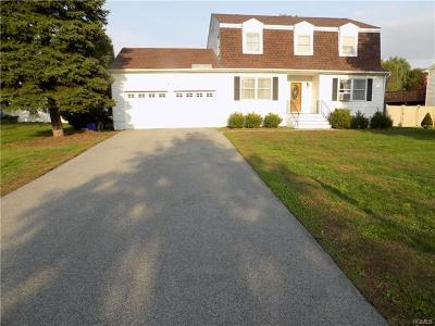 New Windsor Single Family Home For Sale: 216 Dairy Lane