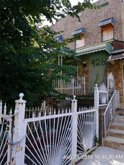 Bronx Single Family Home For Sale: 926 East 221st Street