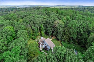 Bedford Single Family Home For Sale: 10 Woodland Court South