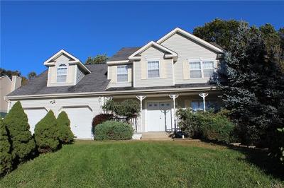 Newburgh Single Family Home For Sale: 47 Ramblewood Drive