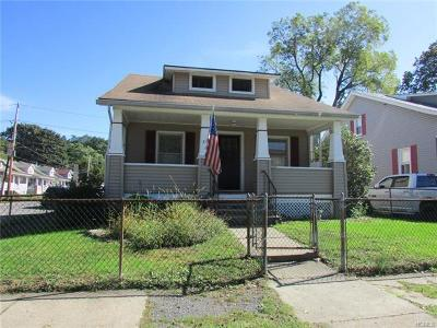 Newburgh Single Family Home For Sale: 216 Fullerton Avenue
