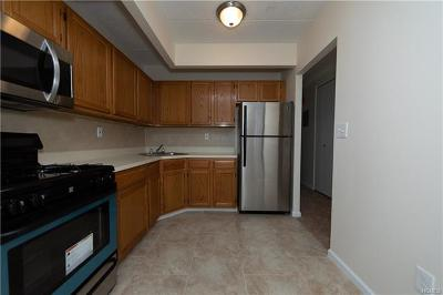 Multi Family 2-4 For Sale: 1839 Story Avenue