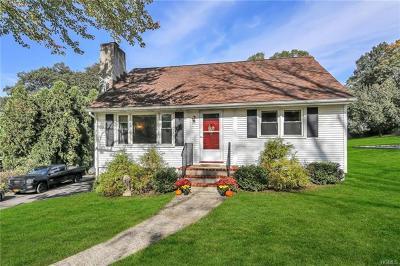 Mohegan Lake Single Family Home For Sale: 1600 Strawberry Road