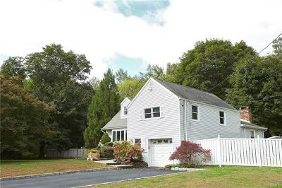 Blauvelt Single Family Home For Sale: 490 Blauvelt Road