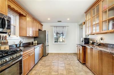 Yonkers Single Family Home For Sale: 208 Douglas Avenue
