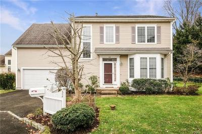 White Plains Single Family Home For Sale: 52 Legend Circle