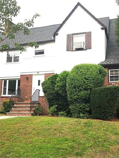 New Rochelle Rental For Rent: 22 Sickles Place