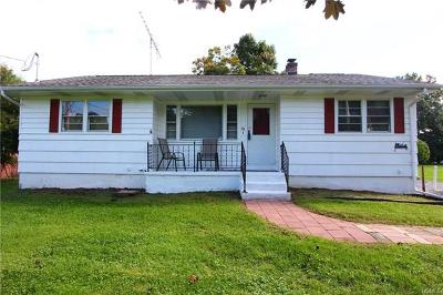 Middletown Single Family Home For Sale: 16 Thomas Jefferson Place