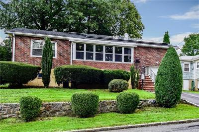 Yonkers Single Family Home For Sale: 516 Mile Square Road