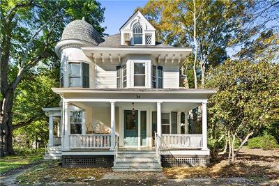 Mount Kisco Single Family Home For Sale: 34 Croton Avenue