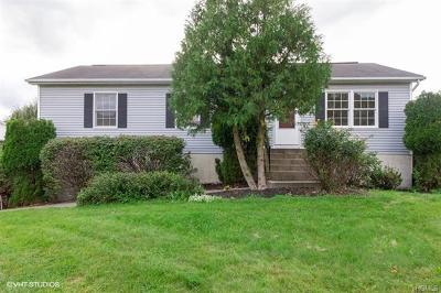 Middletown Single Family Home For Sale: 13 Leewood Drive