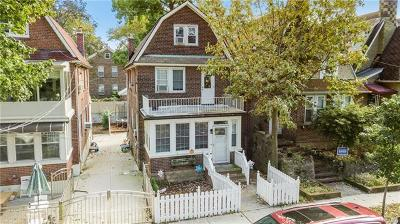 Bronx Single Family Home For Sale: 6136 Tyndall Avenue