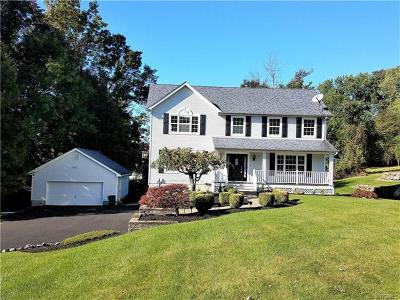 Monroe Single Family Home For Sale: 62 Woodland Road
