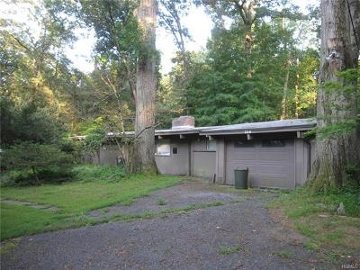Croton-On-Hudson Single Family Home For Sale: 208 Cleveland Drive
