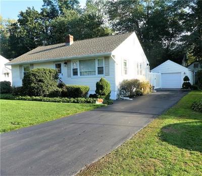 Nanuet Single Family Home For Sale: 11 Van Nostrand Place