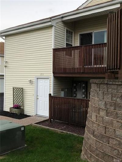 Chester Condo/Townhouse For Sale: 1711 Whispering Hills