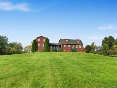 Milton Single Family Home For Sale: 46 Mulberry Lane