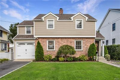 Port Chester Single Family Home For Sale: 67 Glendale Place