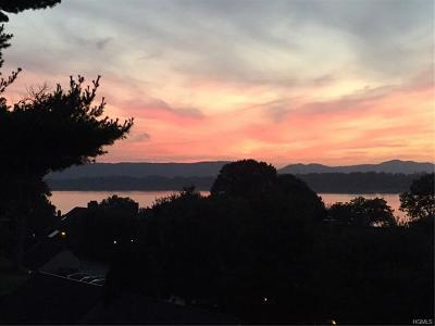 Ossining Condo/Townhouse For Sale: 610 Eagle Bay Drive