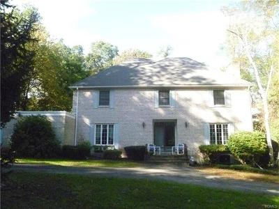 Newburgh Single Family Home For Sale: 22 Dogwood Hills Road