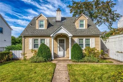 Pelham Single Family Home For Sale: 323 Sixth Avenue