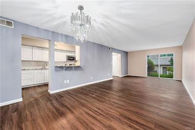 Bedford Hills Condo/Townhouse For Sale: 208 Harris Road #EA4