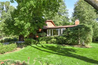 New Rochelle Single Family Home For Sale: 29 Woodcut Lane