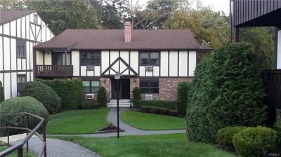 Valley Cottage Condo/Townhouse For Sale: 672 Sierra Vista Lane