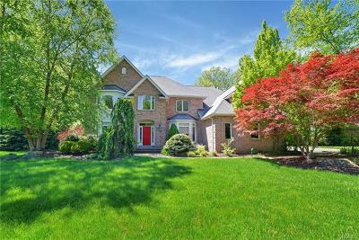 Rockland County Single Family Home For Sale: 34 Oxford Drive