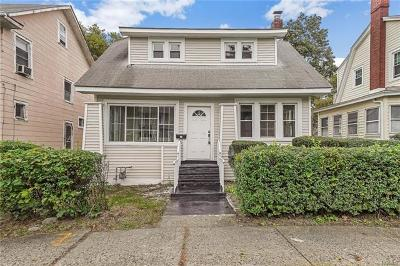 Newburgh Single Family Home For Sale: 22 Forsythe Place