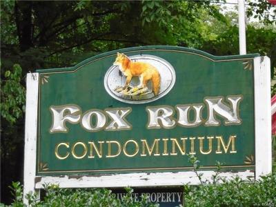 Carmel Condo/Townhouse For Sale: 609 Fox Run Lane