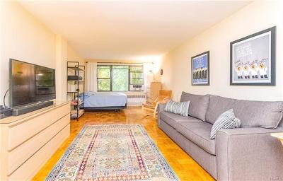 Co-Operative For Sale: 3215 Arlington Avenue #2B