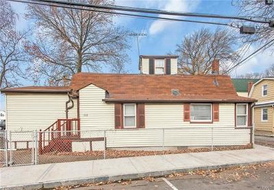 Co-Operative For Sale: 136b Edgewater Park #B