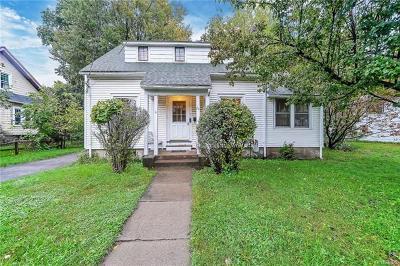 Warwick Single Family Home For Sale: 26 Wheeler Avenue
