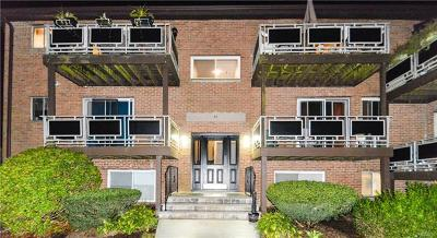 Monroe Condo/Townhouse For Sale: 44 Tanager Road #4402