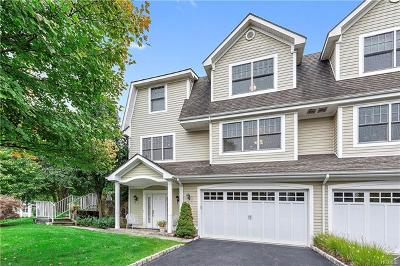 Mount Kisco Single Family Home For Sale: 30 Glassbury Court