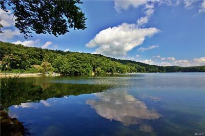 Lake Peekskill Single Family Home For Sale: 184 Lake Drive